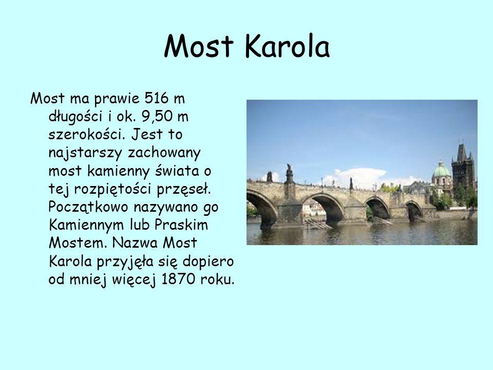 Kaplica Czaszek w Kutnej Horze W kaplicy znajdują się szczątki 40–70 tys.