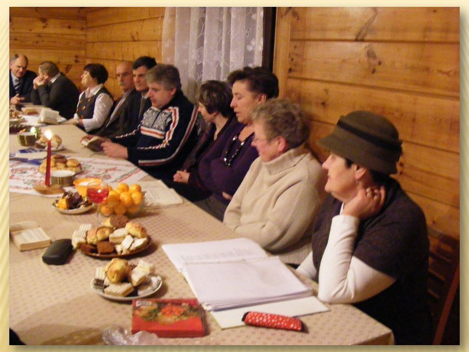 Spotkania nauczycieli emerytów W październiku w okolicach Dnia Nauczyciela do Domu Parafialnego zapraszamy nauczycieli – emerytów i czynnych zawodowo oraz sympatyków szkoły na wspólne snucie wspomnień, refleksji, dzielenie się doświadczeniem, śpiewanie….