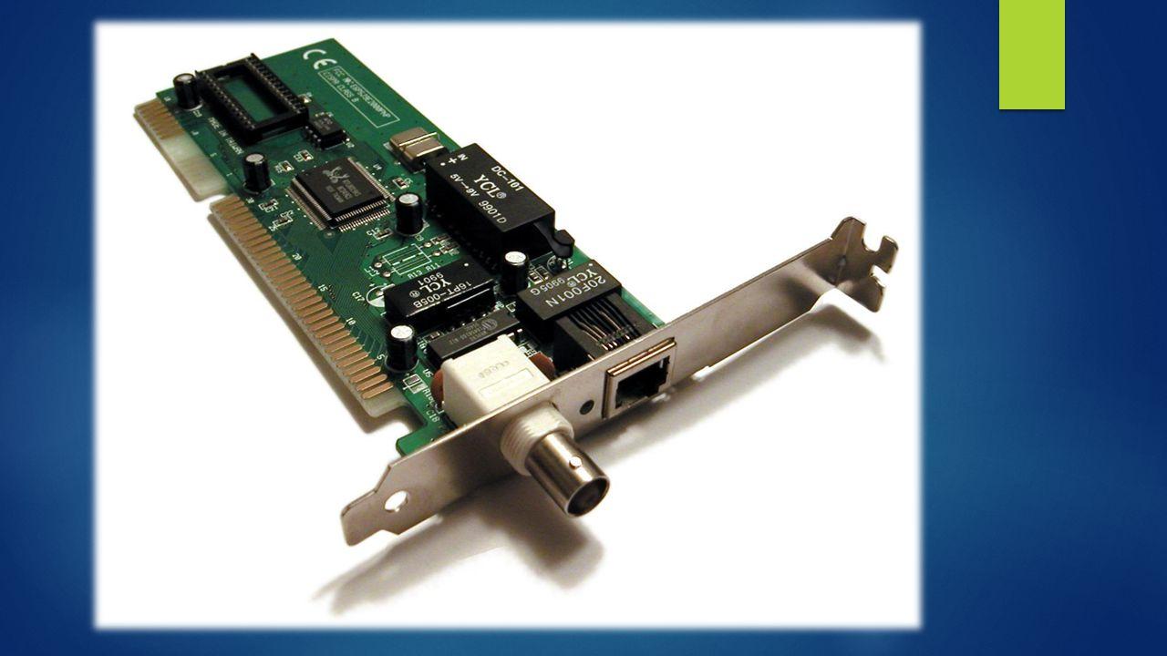Zalety karty sieciowej z interfejsem USB  Duża popularność portu USB wykorzystywana w większości komputerów PC i Laptopów.