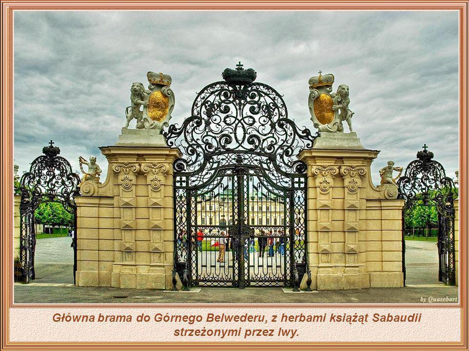 Główna brama do Górnego Belwederu, z herbami książąt Sabaudii strzeżonymi przez lwy.