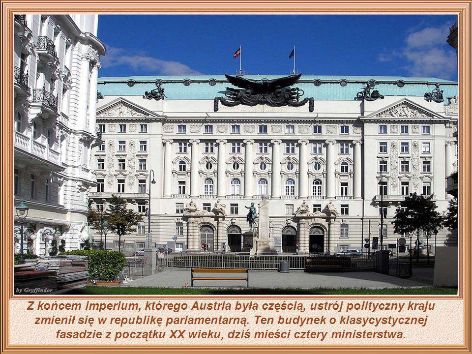 Z końcem imperium, którego Austria była częścią, ustrój polityczny kraju zmienił się w republikę parlamentarną.