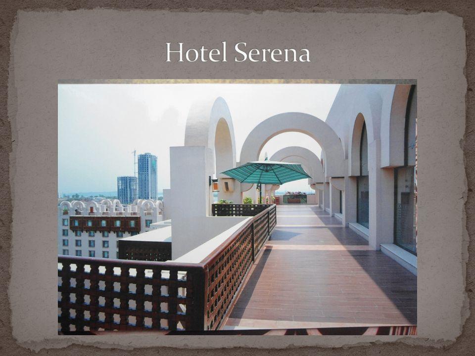 Wnętrze restauracji w hotelach Serena Widok z balkonu hotelowego