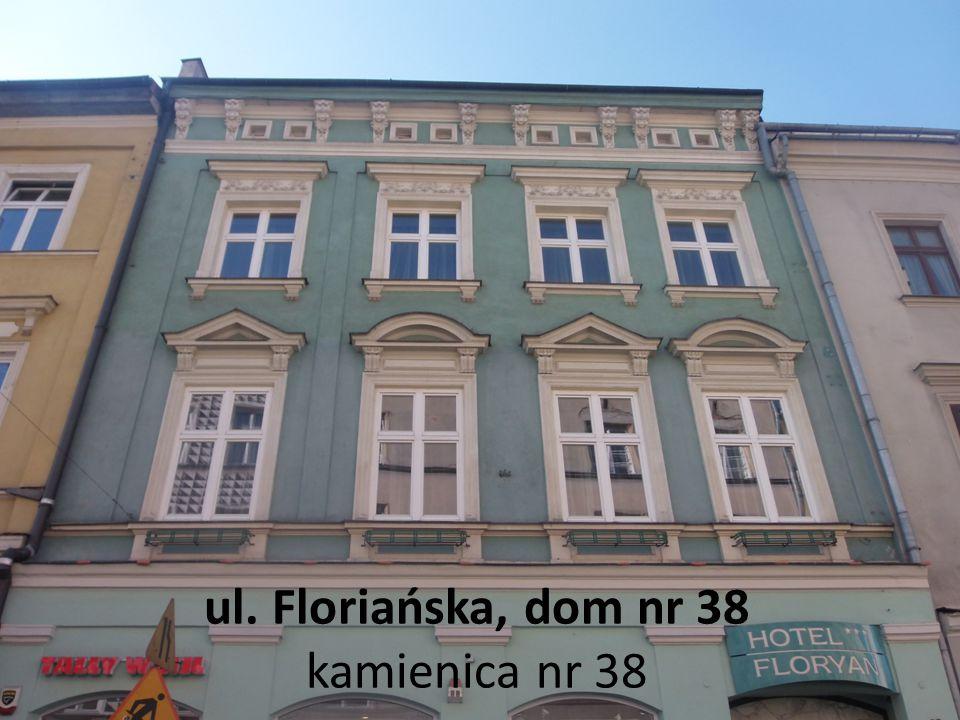 """Ulica Floriańska, dom nr 41, Kamienica Dom Matejki"""" Z polecenia Matejki fasada budynku została ozdobiona emblematami malarskimi oraz trzema pyskami ."""