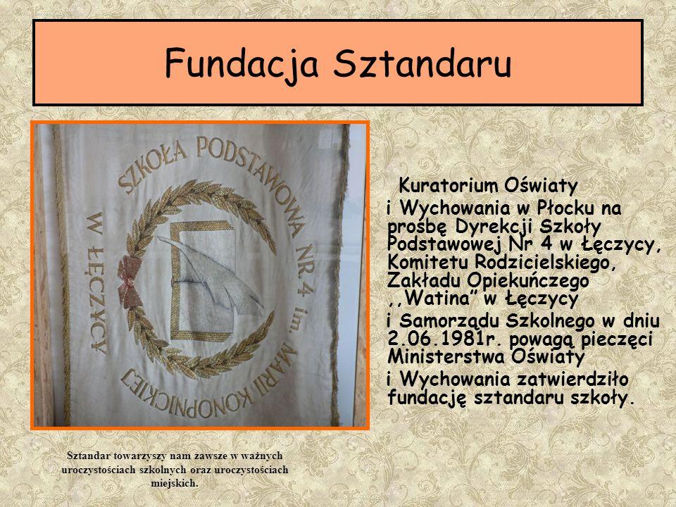 Pamiątkowa tablica ufundowana przez Radę Rodziców i społeczność szkolną w dniu obchodów 140.