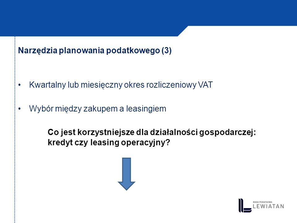 Przykład: kredyt a leasing operacyjny (1) KREDYTLEASING OPERACYJNY -Powstaje przychód -Kosztem uzyskania przychodu są: Odsetki od kredytu Odpisy amortyzacyjne od przedmiotu kredytu będącego środkiem trwałym w działalności (5 lat) -Powstaje przychód -Kosztem uzyskania przychodu jest: Rata leasingowa
