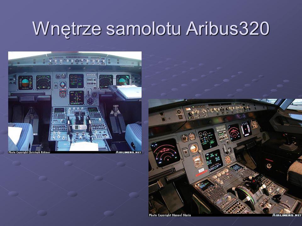 Interfejs ergonomiczny CFDS (wchodzący w skład FMC - Flight Management Computer), którego nie było we wcześniejszych samolotach, wychwytuje i rejestruje każdy (nawet spodziewany, co osiągnięto dzięki zaprogramowaniu bezpiecznych granic lotu) błąd.