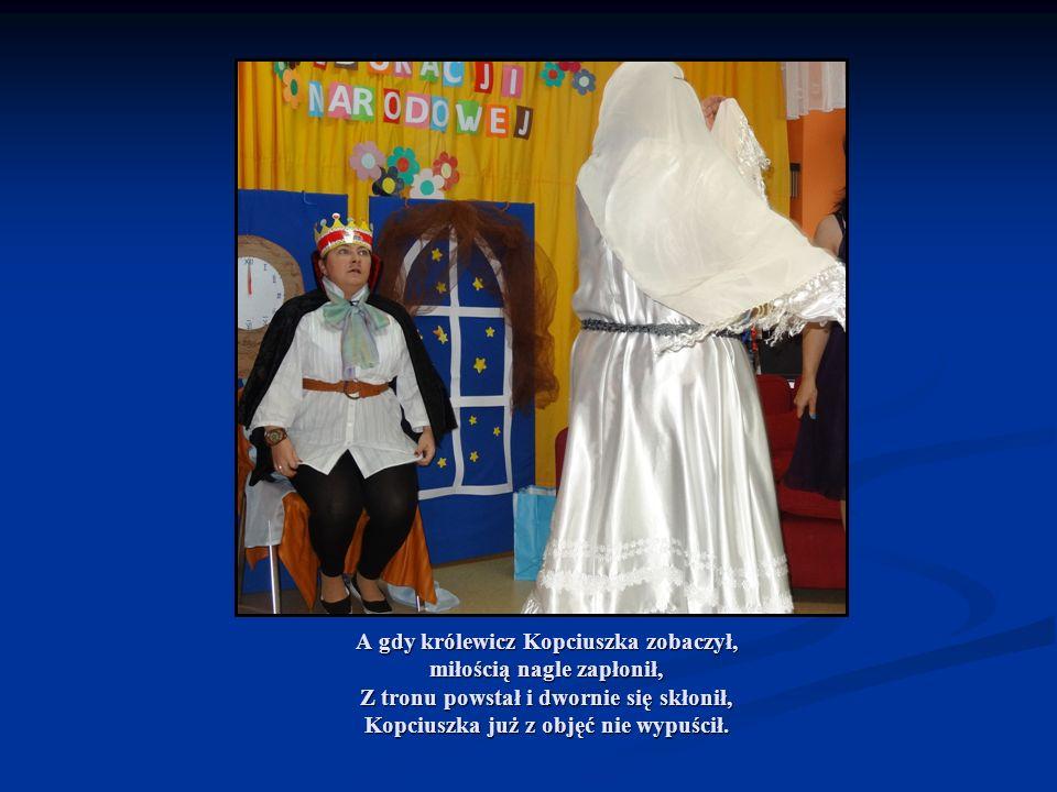 Nadszedł kres wszystkim smutkom, Królewicz wyprawił huczne wesele i myśmy wszyscy tam byli, a po balu kakao z mlekiem pili.
