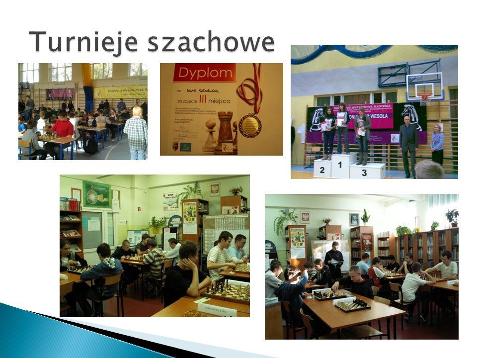 Turnieje szachowe W turniejach szachowych biorą udział wszyscy uczestnicy zajęć koła szachowego i uczniowie innych szkół warszawskich.