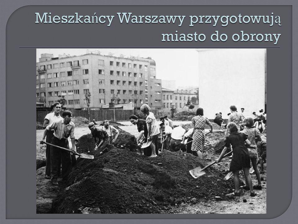 Mieszkańcy Warszawy przygotowują miasto do obrony