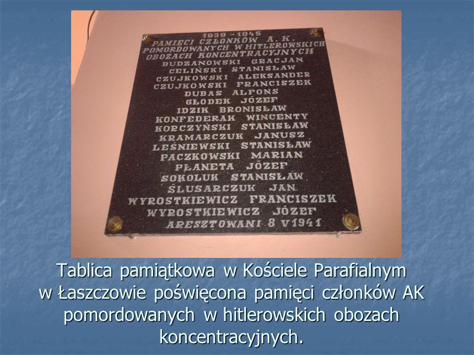 Tablica pamiątkowa w Kościele Parafialnym w Łaszczowie poświęcona pamięci członków AK pomordowanych w hitlerowskich obozach koncentracyjnych.