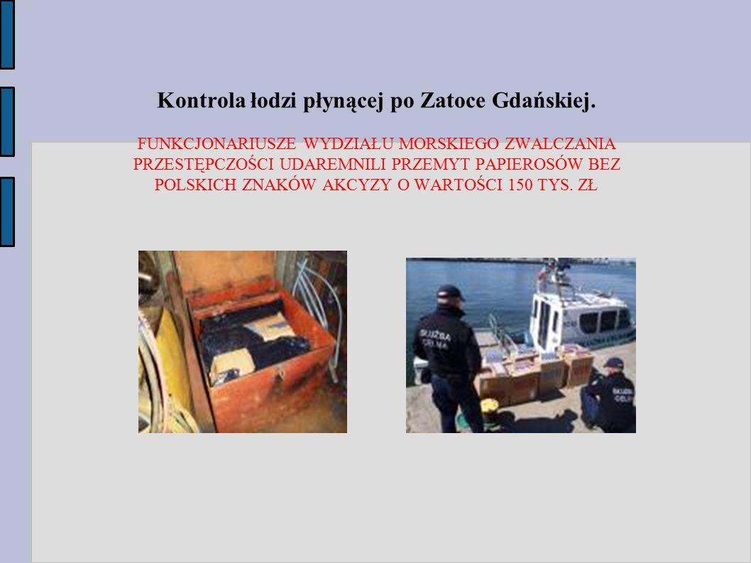 Kontrola łodzi płynącej po Zatoce Gdańskiej.