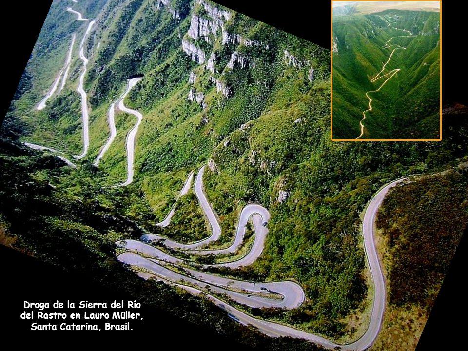 Droga de la Sierra del Río del Rastro en Lauro Müller, Santa Catarina, Brasil.