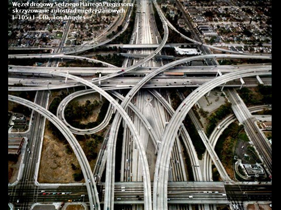 Węzeł drogowy Sędziego Harrego Pregersona – skrzyżowanie autostrad międzystanowych I-105 i I-110, Los Angeles.