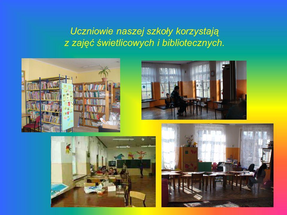 Uczniowie naszej szkoły korzystają z zajęć świetlicowych i bibliotecznych.