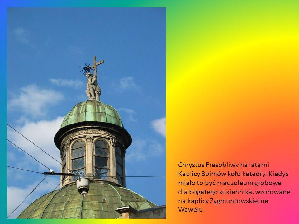 Chrystus Frasobliwy na latarni Kaplicy Boimów koło katedry