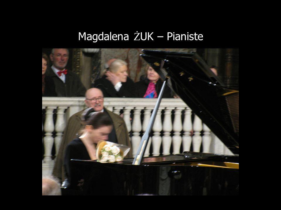 Magdalena ŻUK – Pianiste