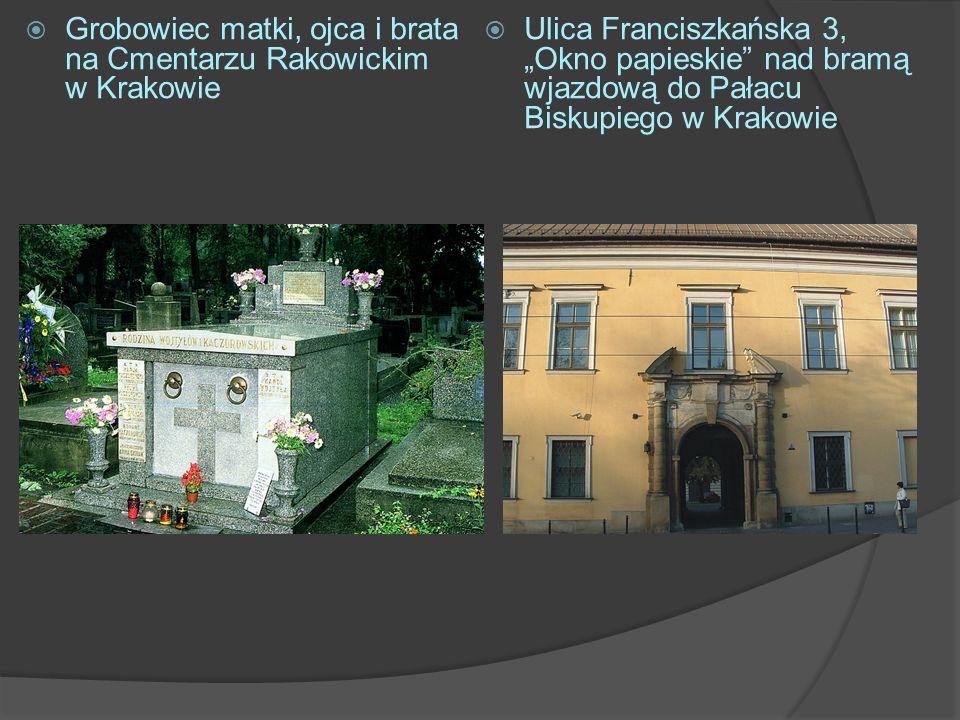 Grobowiec matki, ojca i brata na Cmentarzu Rakowickim w Krakowie