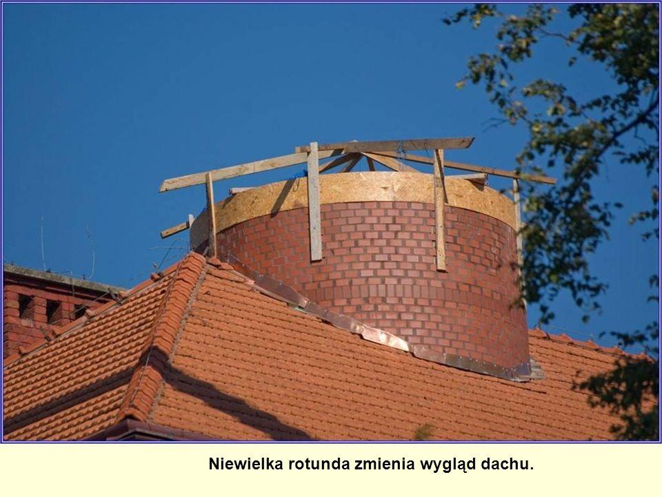 Niewielka rotunda zmienia wygląd dachu.