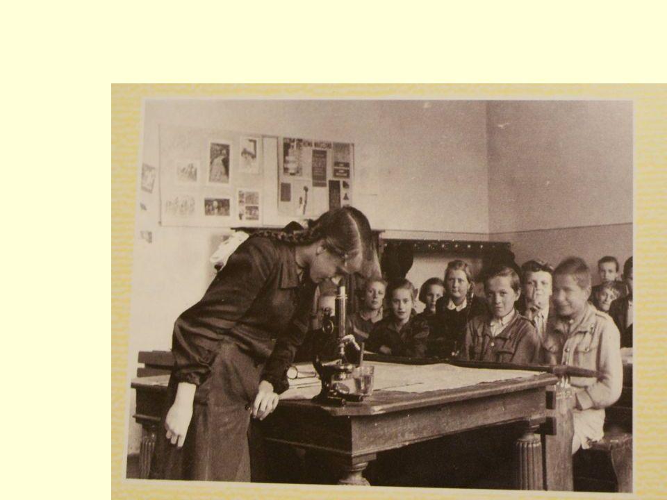 Lekcja biologii w jedenastolatce, rok 1953.