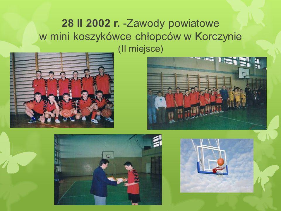 28 II 2002 r. -Zawody powiatowe w mini koszykówce chłopców w Korczynie (II miejsce)