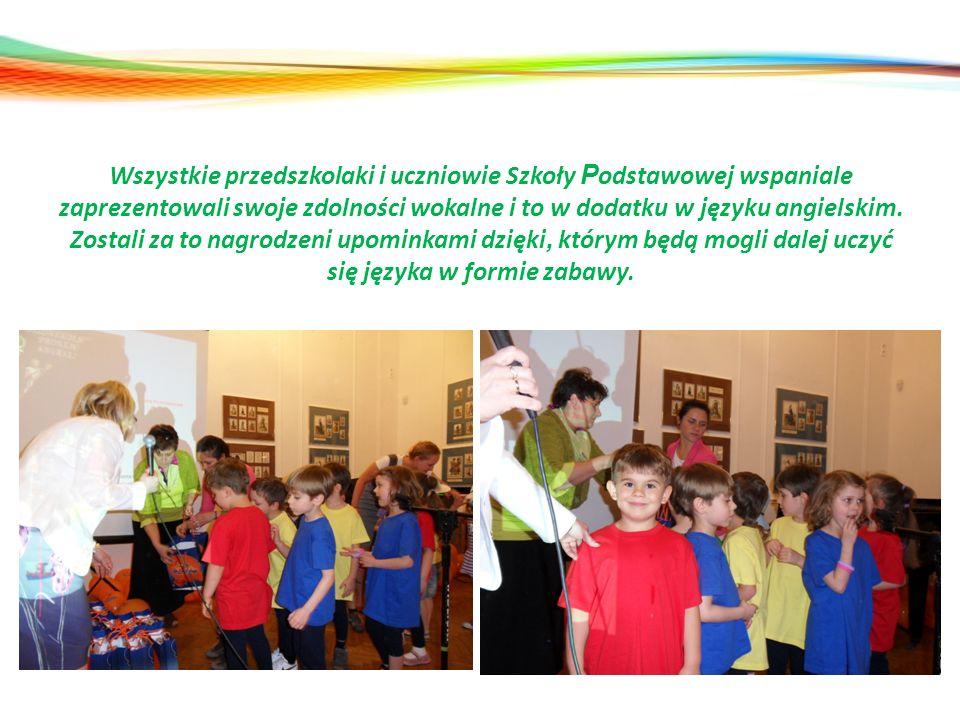 Wszystkie przedszkolaki i uczniowie Szkoły Podstawowej wspaniale zaprezentowali swoje zdolności wokalne i to w dodatku w języku angielskim.