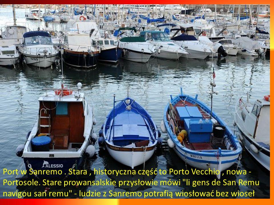 Port w Sanremo . Stara , historyczna część to Porto Vecchio , nowa - Portosole.