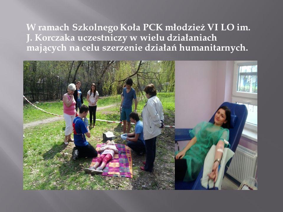 W ramach Szkolnego Koła PCK młodzież VI LO im. J