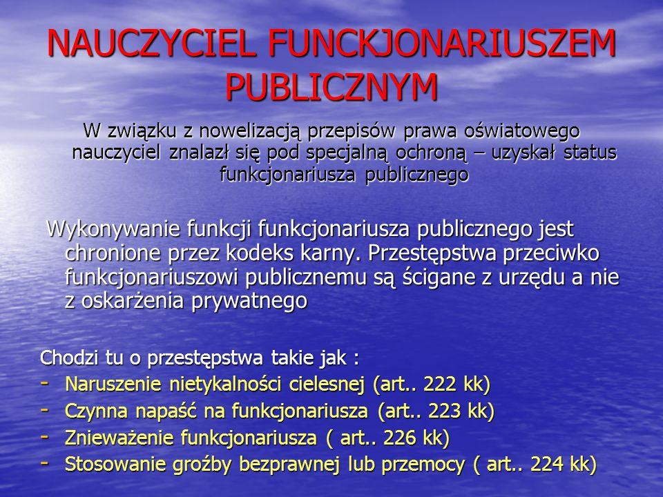 NAUCZYCIEL FUNCKJONARIUSZEM PUBLICZNYM