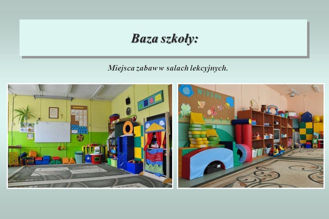 Miejsca zabaw w salach lekcyjnych.