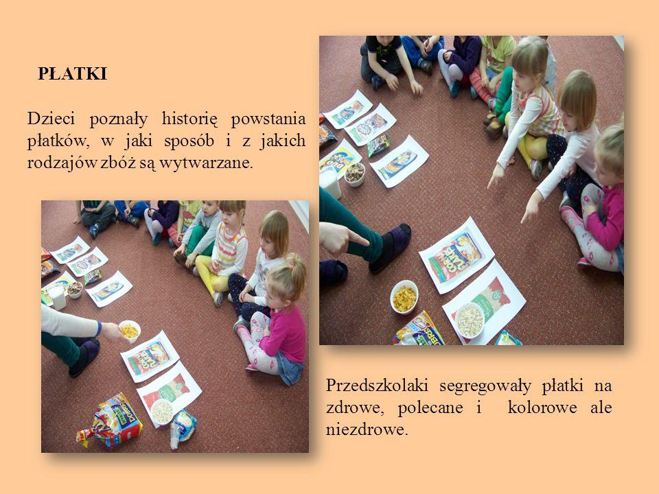 PŁATKI Dzieci poznały historię powstania płatków, w jaki sposób i z jakich rodzajów zbóż są wytwarzane.