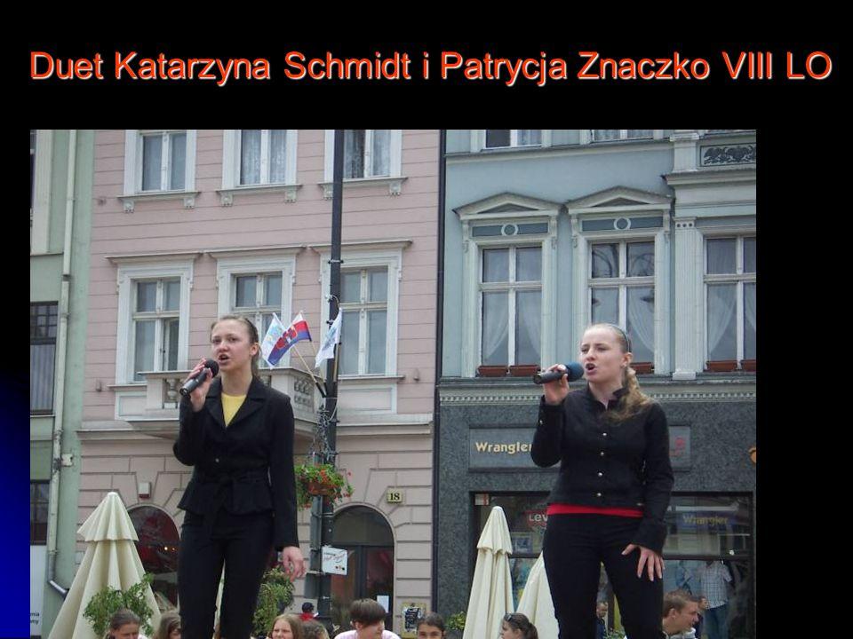 Duet Katarzyna Schmidt i Patrycja Znaczko VIII LO