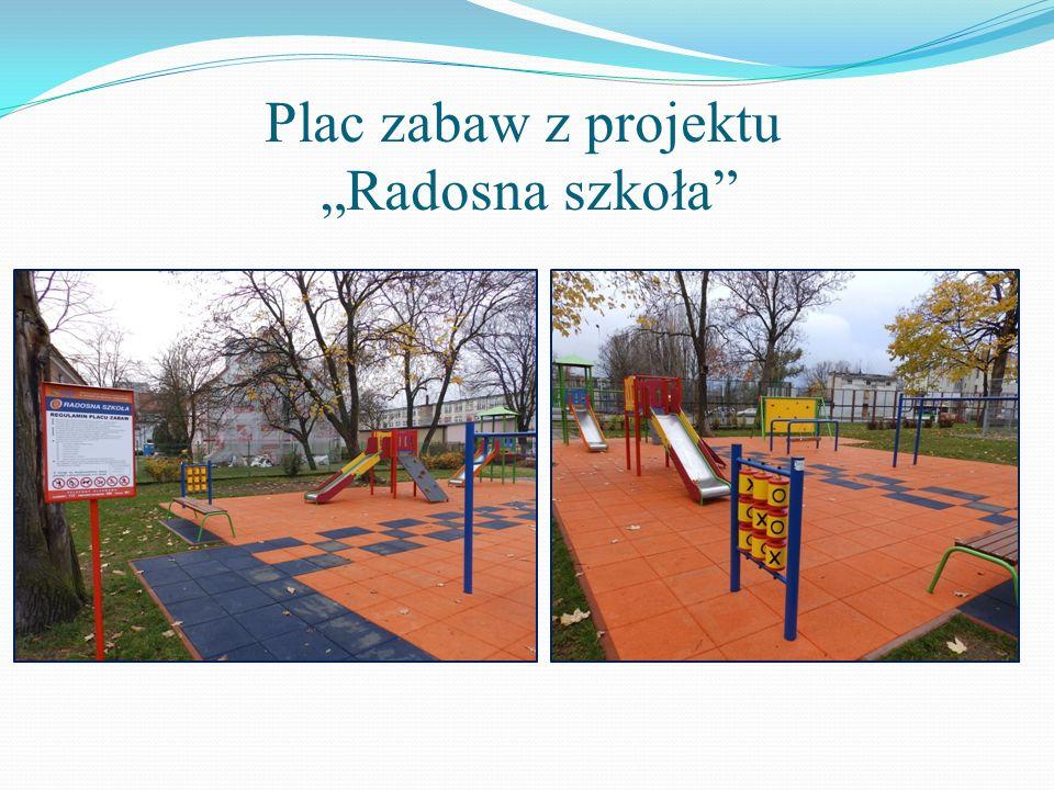 """Plac zabaw z projektu """"Radosna szkoła"""