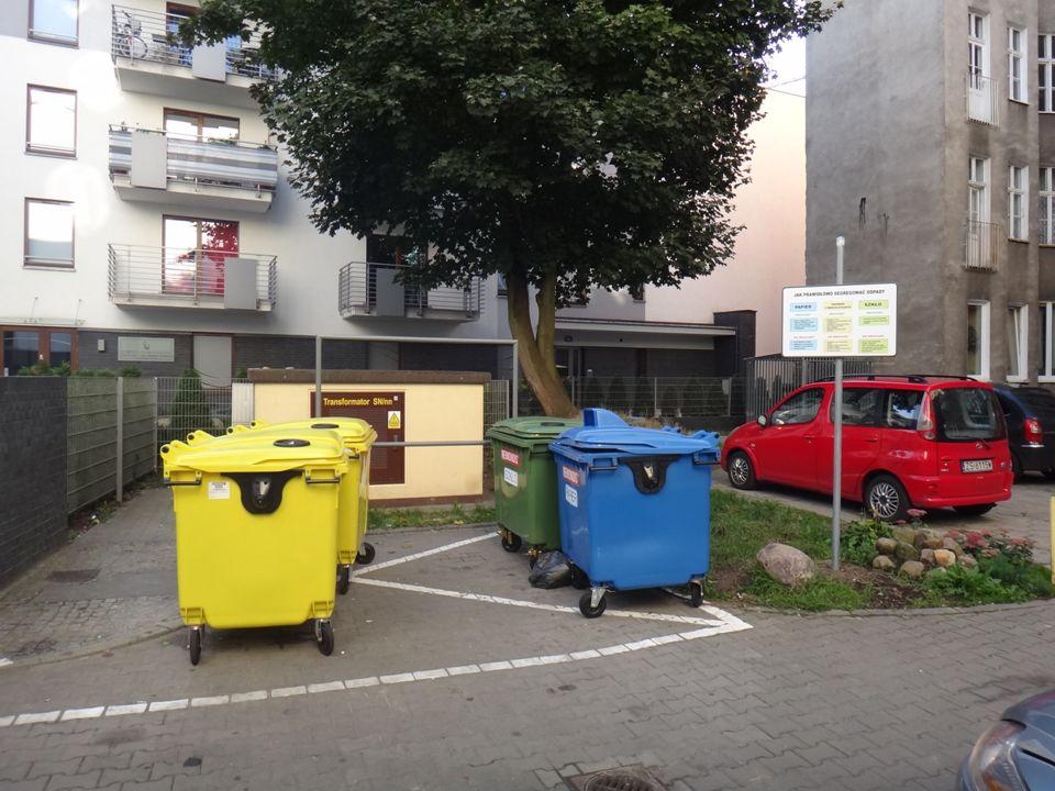 """Wady systemu odbioru odpadów komunalnych """"u źródła"""