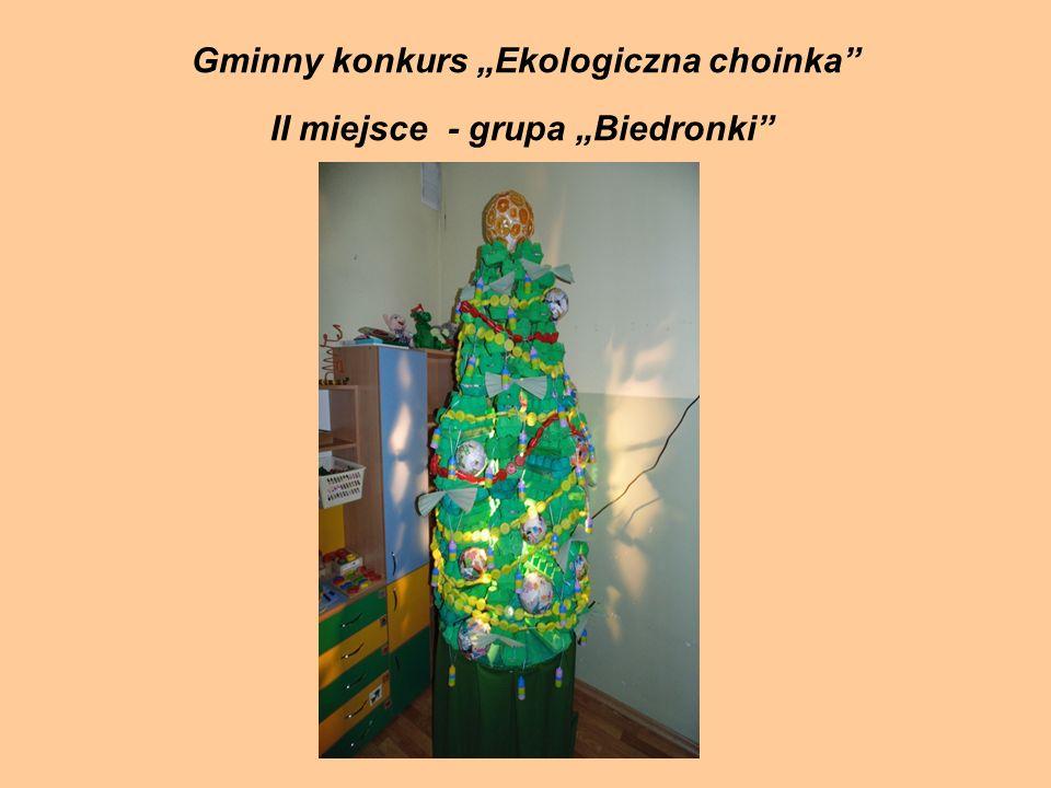 """Gminny konkurs """"Ekologiczna choinka II miejsce - grupa """"Biedronki"""