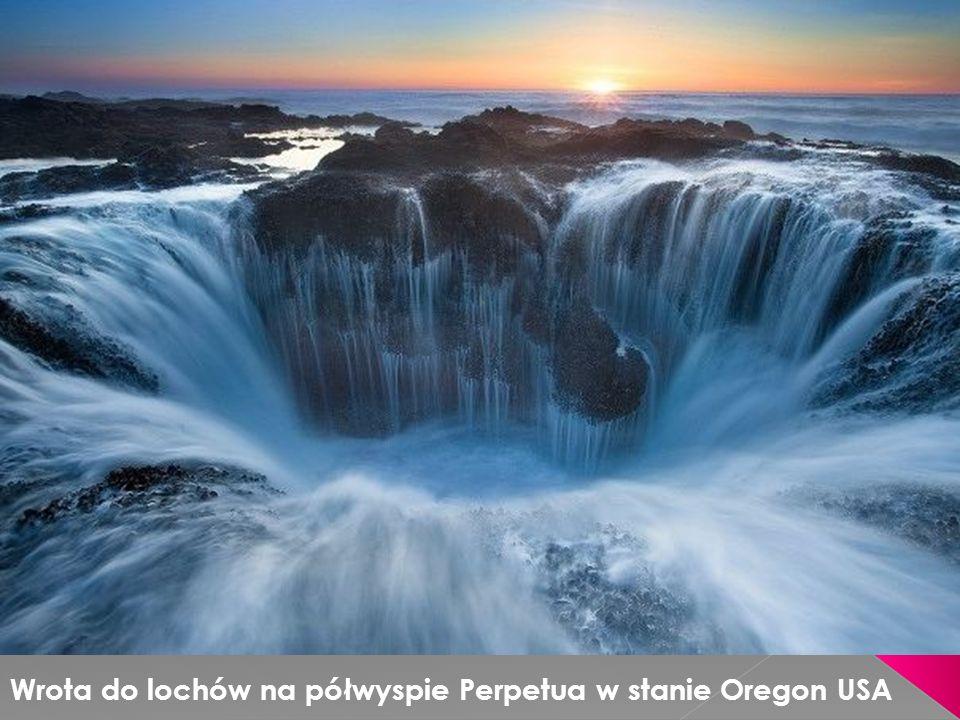 Wrota do lochów na półwyspie Perpetua w stanie Oregon USA