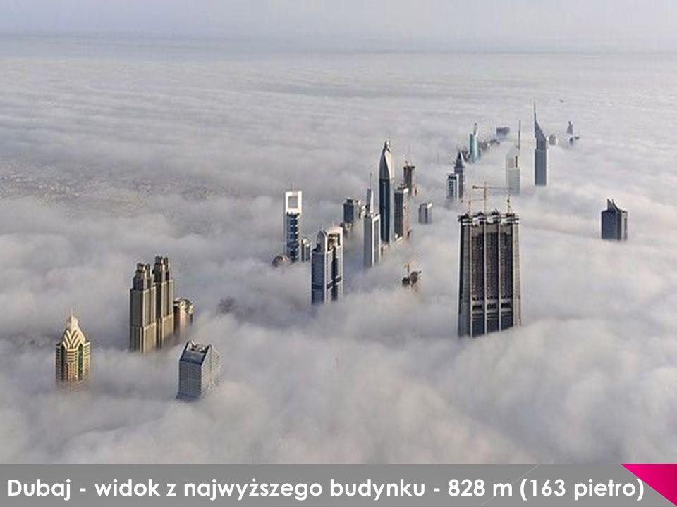 Dubaj - widok z najwyższego budynku - 828 m (163 pietro)