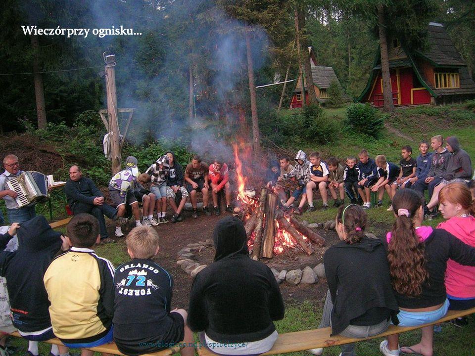 Wieczór przy ognisku… www.blogiceo.nq.pl/sp1belzyce/