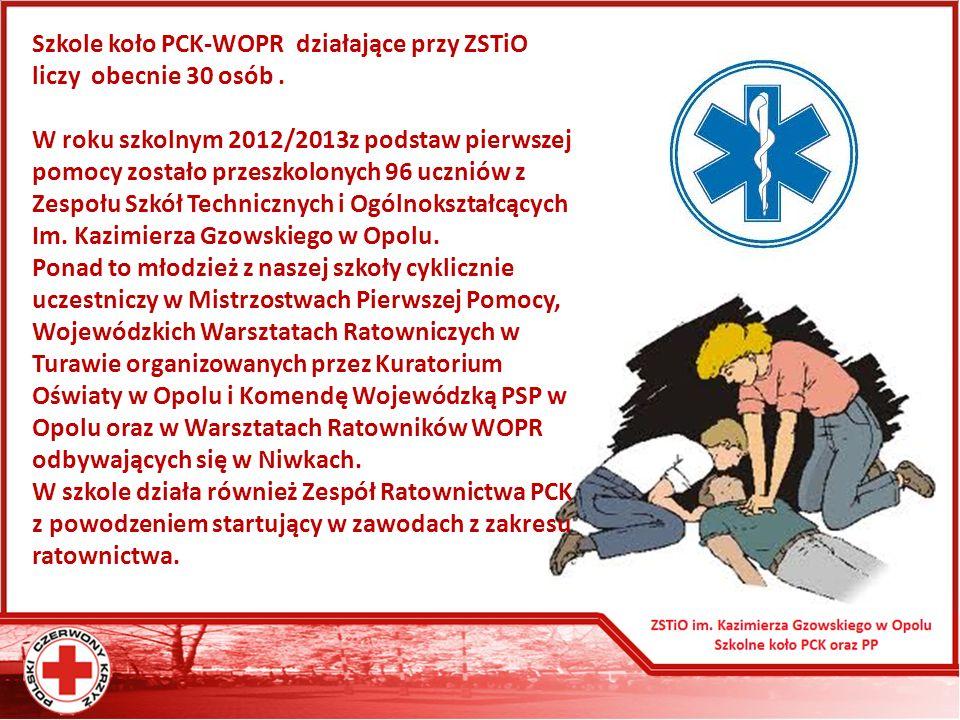 Szkole koło PCK-WOPR działające przy ZSTiO liczy obecnie 30 osób .