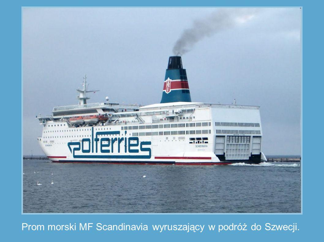 Prom morski MF Scandinavia wyruszający w podróż do Szwecji.