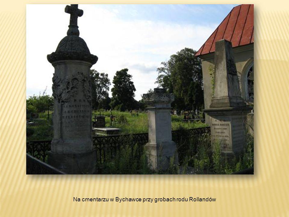 Na cmentarzu w Bychawce przy grobach rodu Rollandów
