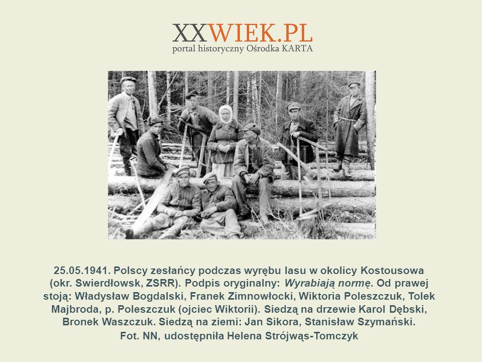 25.05.1941. Polscy zesłańcy podczas wyrębu lasu w okolicy Kostousowa