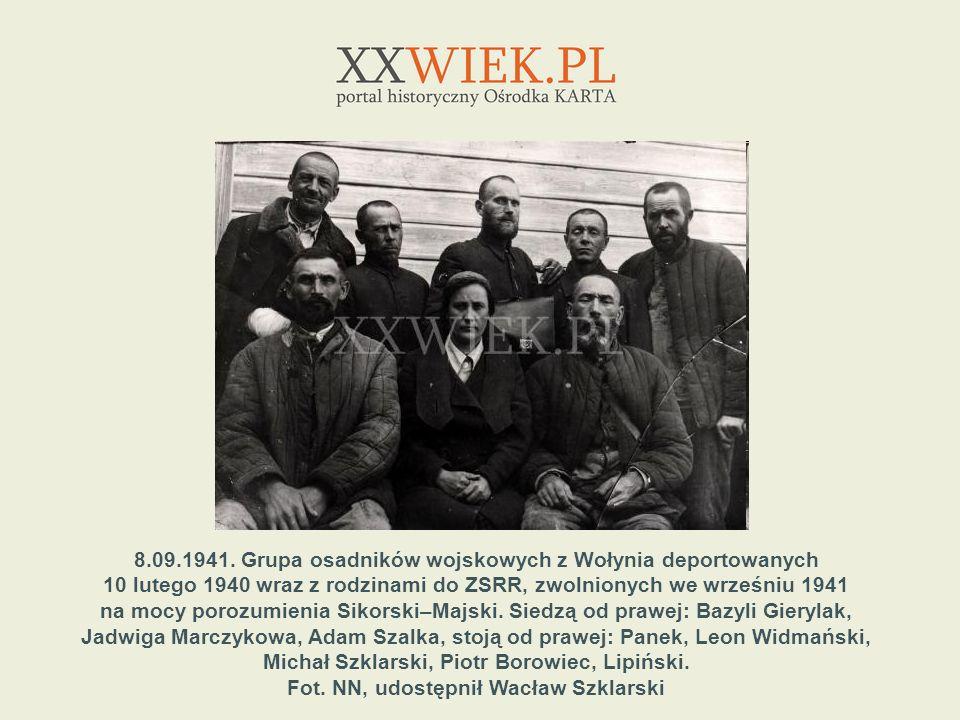 8.09.1941. Grupa osadników wojskowych z Wołynia deportowanych