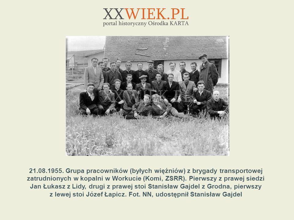 z lewej stoi Józef Łapicz. Fot. NN, udostępnił Stanisław Gajdel