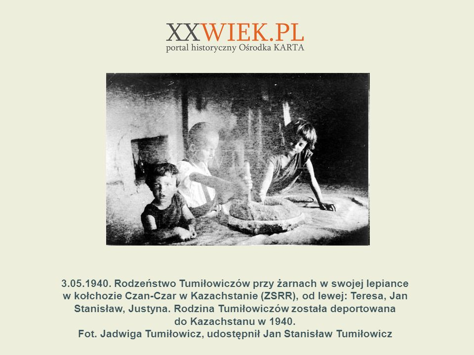 3.05.1940. Rodzeństwo Tumiłowiczów przy żarnach w swojej lepiance