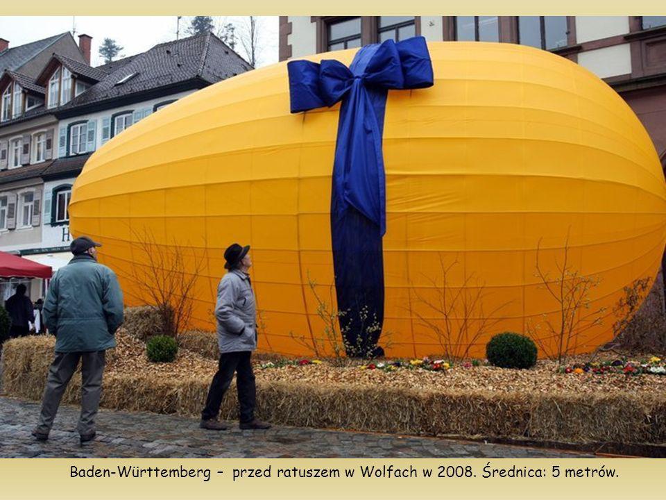 Baden-Württemberg – przed ratuszem w Wolfach w 2008. Średnica: 5 metrów.