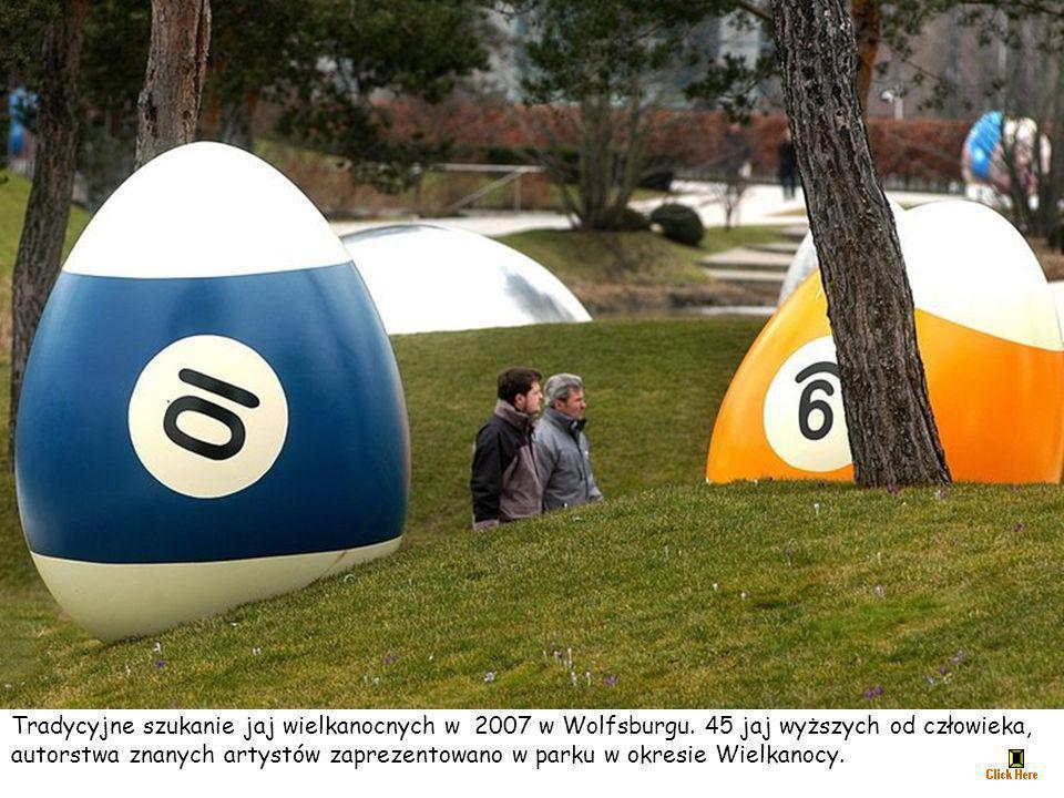 Tradycyjne szukanie jaj wielkanocnych w 2007 w Wolfsburgu