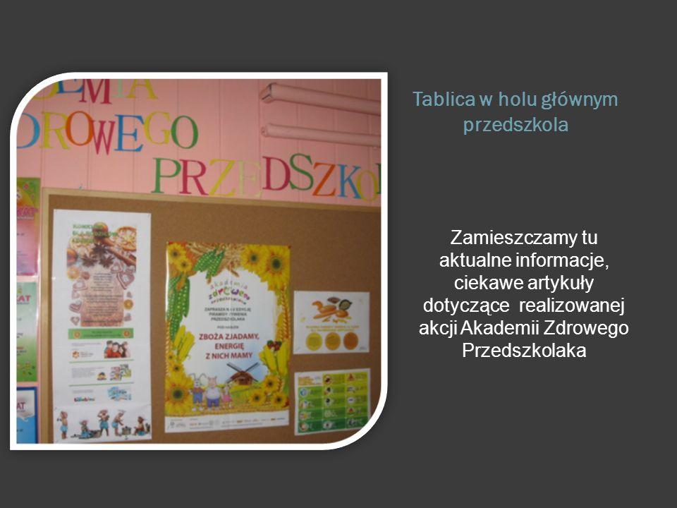 Tablica w holu głównym przedszkola