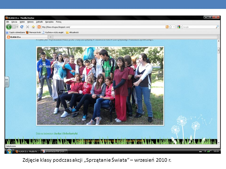 """Zdjęcie klasy podczas akcji """"Sprzątanie Świata – wrzesień 2010 r."""