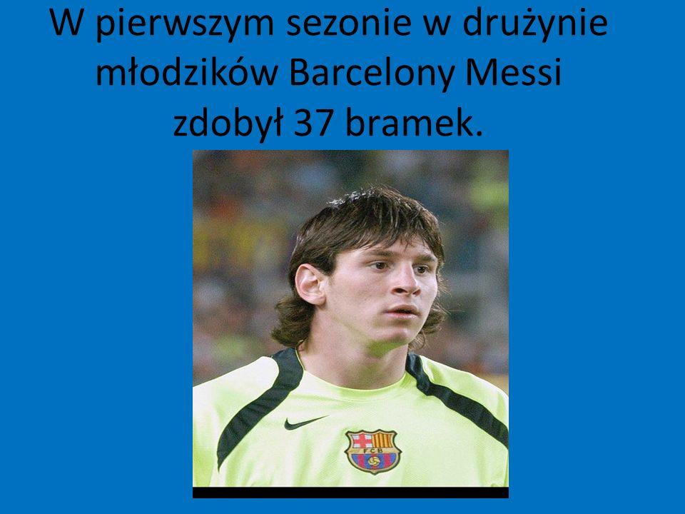 W pierwszym sezonie w drużynie młodzików Barcelony Messi zdobył 37 bramek.