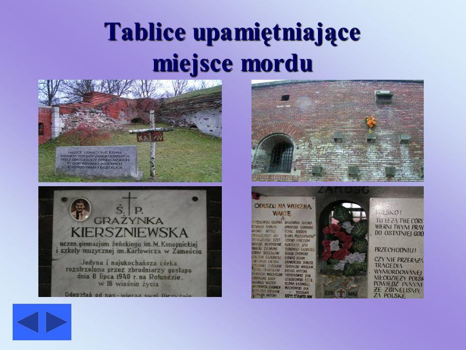 Tablice upamiętniające miejsce mordu